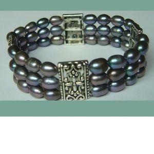NEW Black Cultured Freshwater Pearl Bracelet
